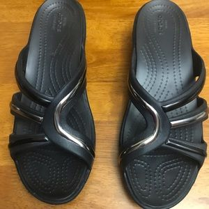 New Crocs sz. 7 black with silver embellish wedge